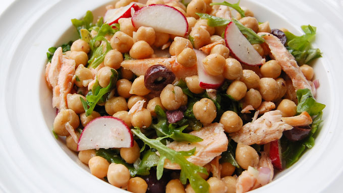 Chickpea, Salmon and Arugula Salad