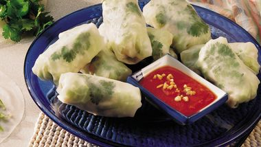 Veggie-Fish Spring Rolls with Dipping Sauce