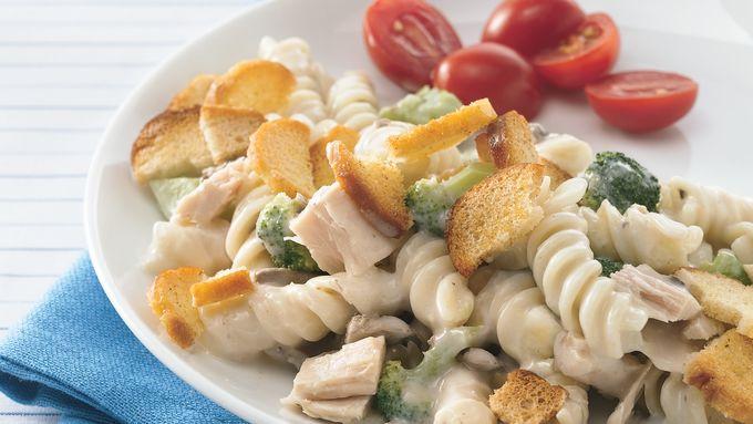 Creamy Tuna and Broccoli Casserole with Bagel Chips