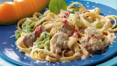 Slow-Cooker Easy Chicken Alfredo