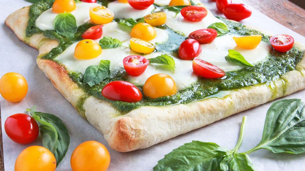 Caprese Pesto Pizza