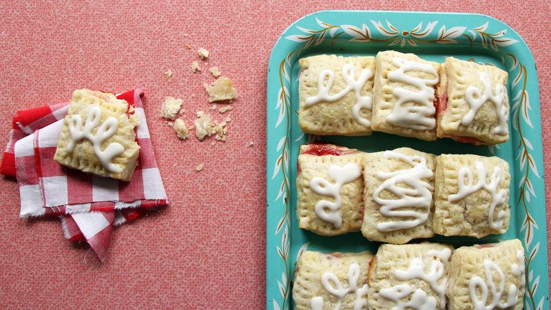 Mini Strawberry-Cream Cheese Breakfast Pastries
