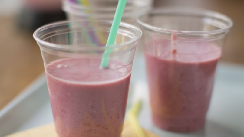 Raspberry Oatmeal Smoothies