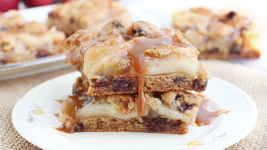 Caramel Apple Pie Cookie Bars