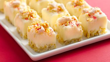 Easy Muddy Buddies® Snickerdoodle White Fudge