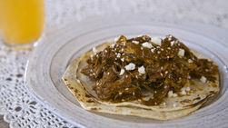 Tacos de Mole con Pollo