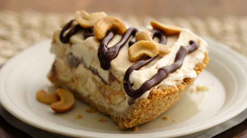 Cashew-Fudge-Caramel Ice Cream Pie