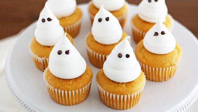 Boozy Pumpkin Cupcakes with Meringue Ghosts