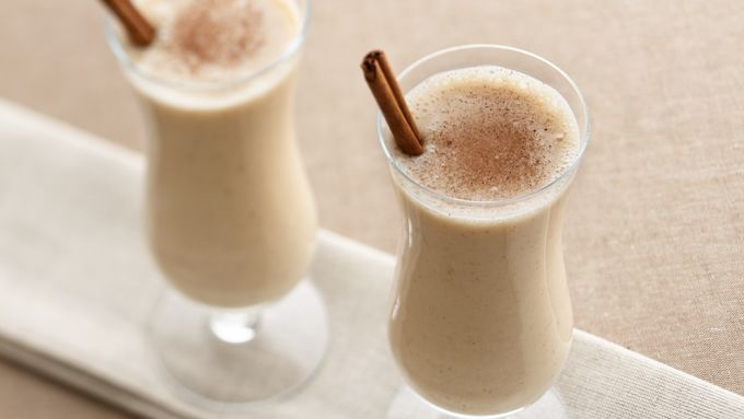 Spiced Caramel-Banana Smoothies