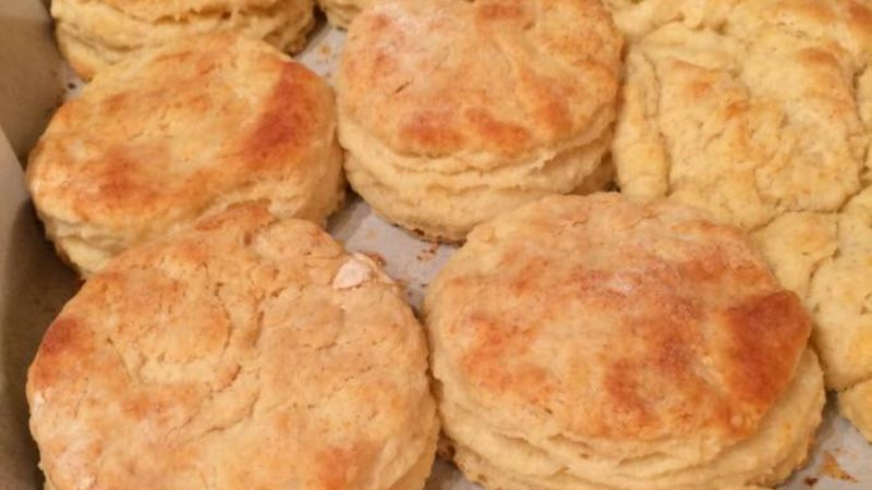 Super Flaky, Fluffy Buttermilk Biscuits