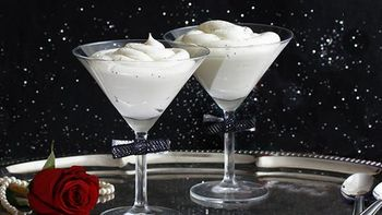 Sparkly White Chocolate Mousse for New Year's Eve