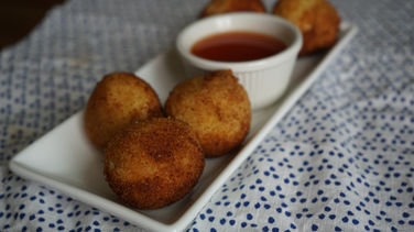 Fried Cassava Balls with Cheese