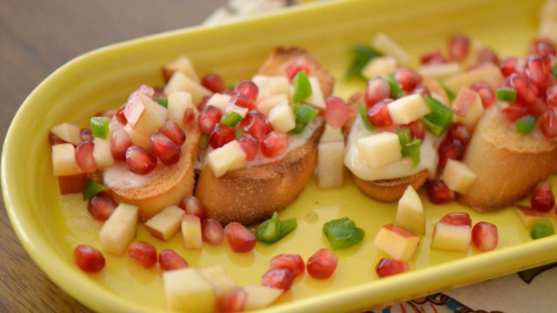 Spicy Pomegranate Crostinis
