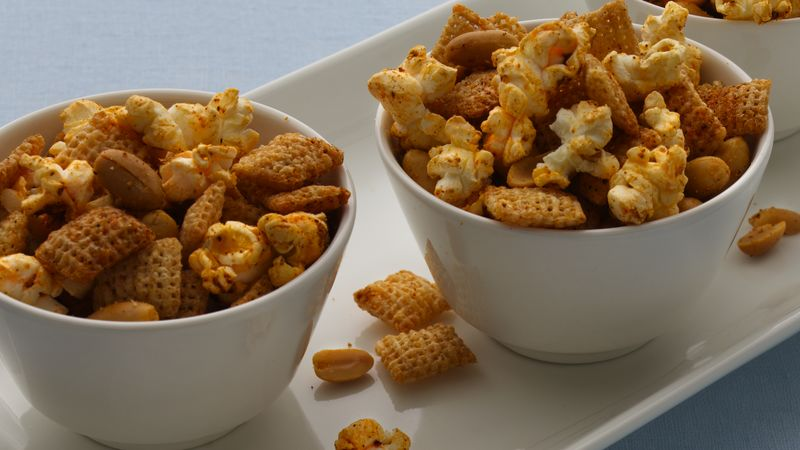 Gluten-Free Chili and Garlic Chex® Mix