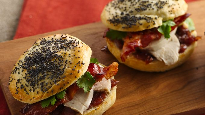 Bacon-Chicken Sliders with Raspberry-Onion Spread