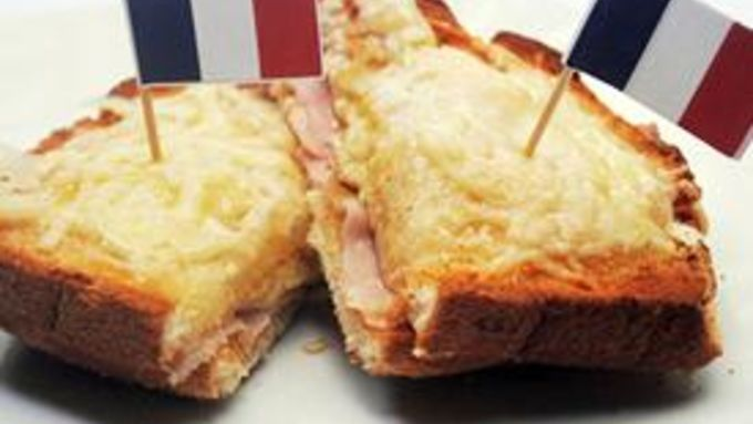 Croque Monsieur (aka fancy Grilled Cheese with Ham)