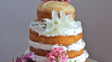 Torta de Vainilla en Capas con Crema de Coco