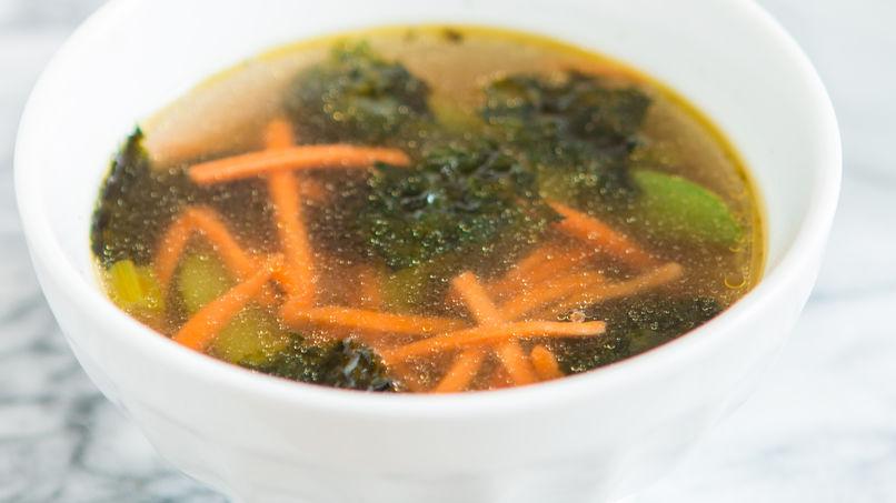 Sopa Fácil de Algas y Vegetales