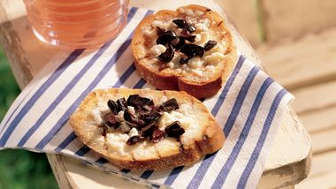 Grilled Feta and Olive Bread