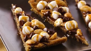 Rocky Road Cookie Pizza (cookie dough tub)