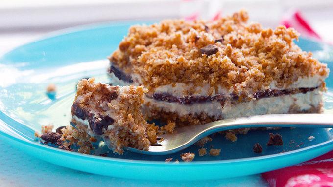 Frozen S'mores Crunch Cake