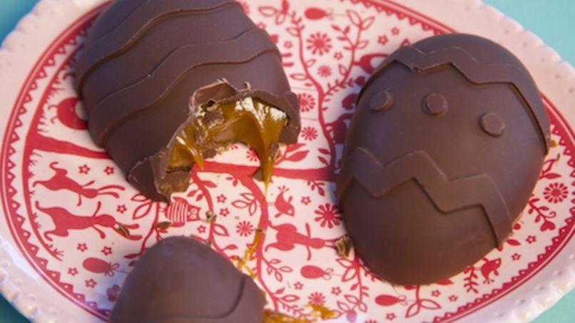 Huevos de Chocolate Rellenos con Cajeta