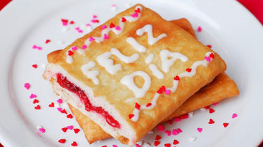 Feliz Día with Toaster Strudel®