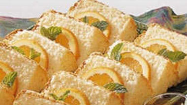 Fat-Free Orange Angel Cake with Toppings