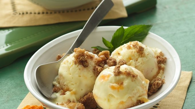 Peach Cobbler Ice Cream