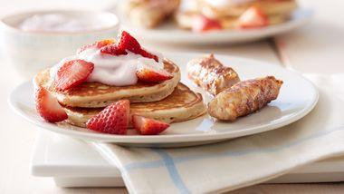 Strawberry Greek Yogurt Pancakes