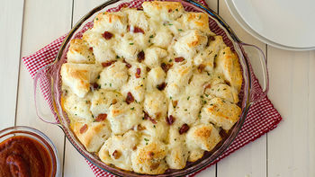 Bacon-Ranch Cheesy Pull-Apart Bread