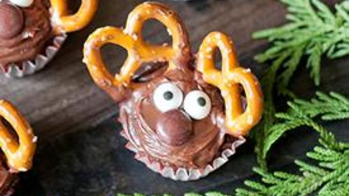 Double Chocolate Mini Reindeer Cupcakes