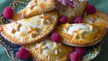 Raspberry and Cream Cheese Empanadas