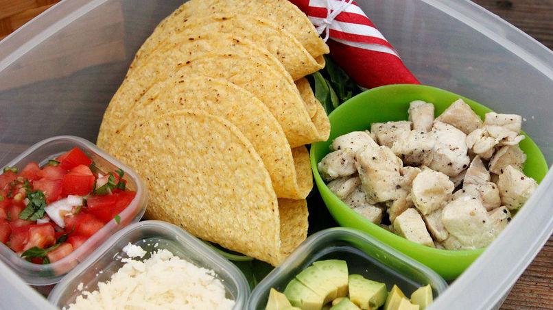 Caja Bento de Tacos de Pollo