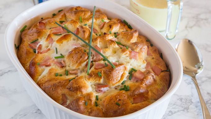 Eggs Benedict Bubble-Up Bake