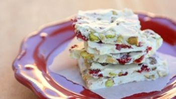 Red and Green Pistachio Bark