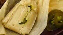 Tamales Rellenos de Queso y Jalapeño