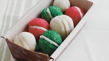 Galletas con forma de bola navideña