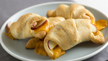 Apple Cheddar Crescent Rolls