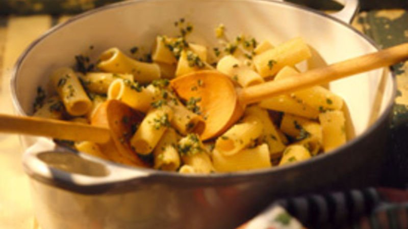 Rigatoni with Basil Pesto