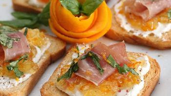 Orange-Prosciutto Crostini