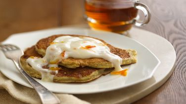 Oatmeal Pancakes with Yogurt Topping