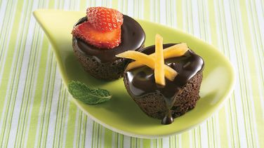 Brownie Bites with Strawberries and Mango