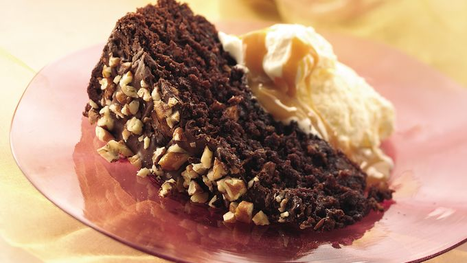 Caramel-Pecan Brownie Cake