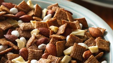 Cinnamon-Apple Chex® Mix
