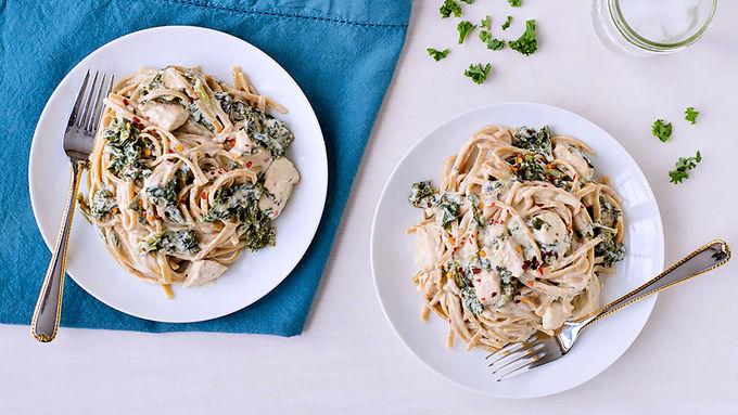 Slow-Cooker Kale and Chicken Fettuccine Alfredo
