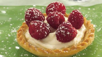 Raspberry-Amaretto Tarts