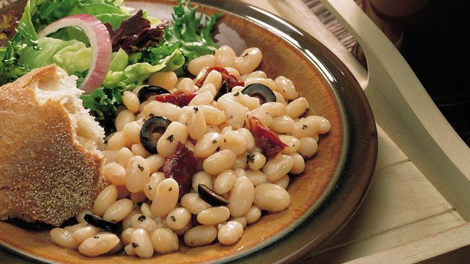 Slow-Cooker White Beans with Sun-Dried Tomatoes