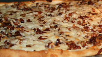 Caramelized Onion and Crispy Pancetta Pizza