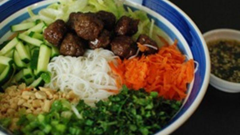 Vietnamese Xiu Mai Bun